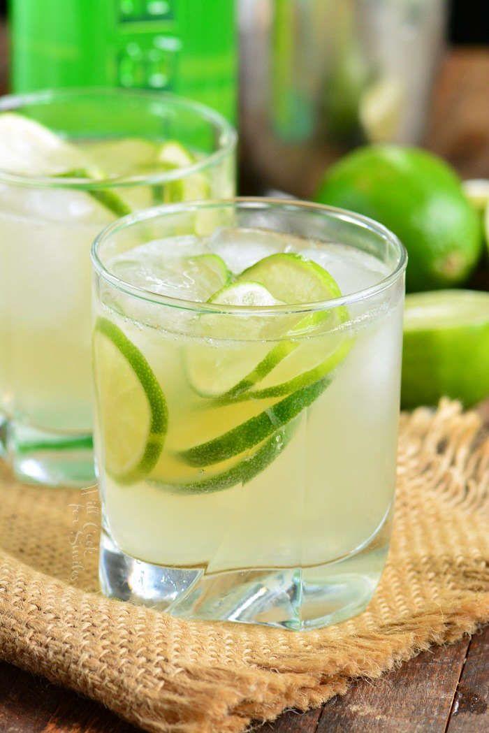 Caipirinha Is A Traditional Brazilian Cocktail Made With Cachaca Liquor Limes And Sugar Very Simple R Caipirinha Caipirinha Recipe Pitcher Caipirinha Recipe