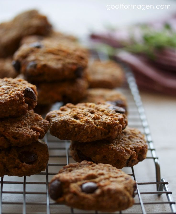 Cookies med mørk sjokolade, gulrot og valnøtter