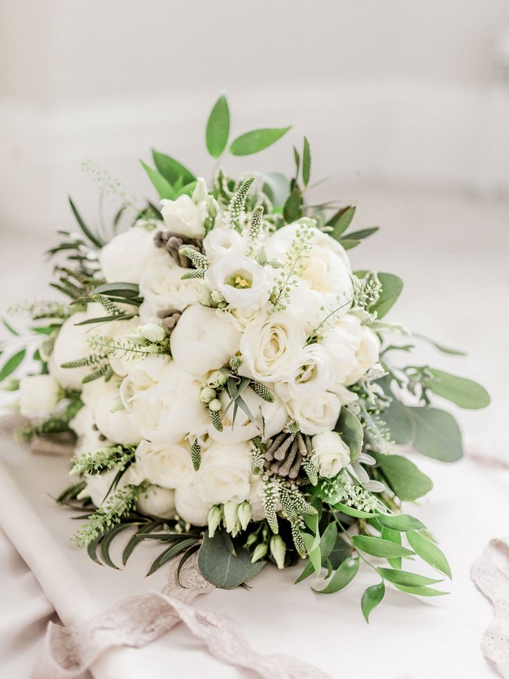 Audrey Hepburn Inspired Elegance for a Classy and Modern Wedding in Neutral Shades