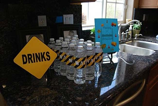 Dig In: 9 Construction Themed Birthday Party Ideas - Spaceships and Laser Beams