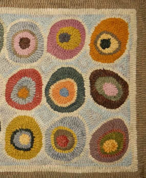 Rug Pattern For Hooking And Punch Needle 5 Rug Sizes Square To Runners Foundation Choices Linen Monks Or Rug Warp Cat Paw Design With Images Rug Pattern Circle Rug Rug Hooking Patterns