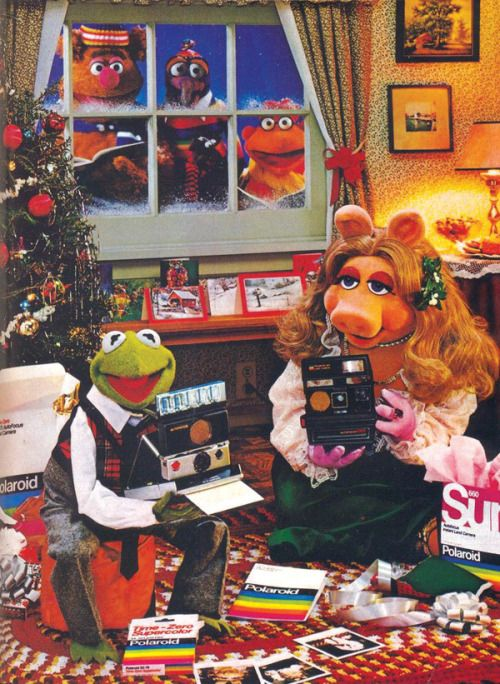 Vintage Polaroid Christmas ad featuring the Muppets.