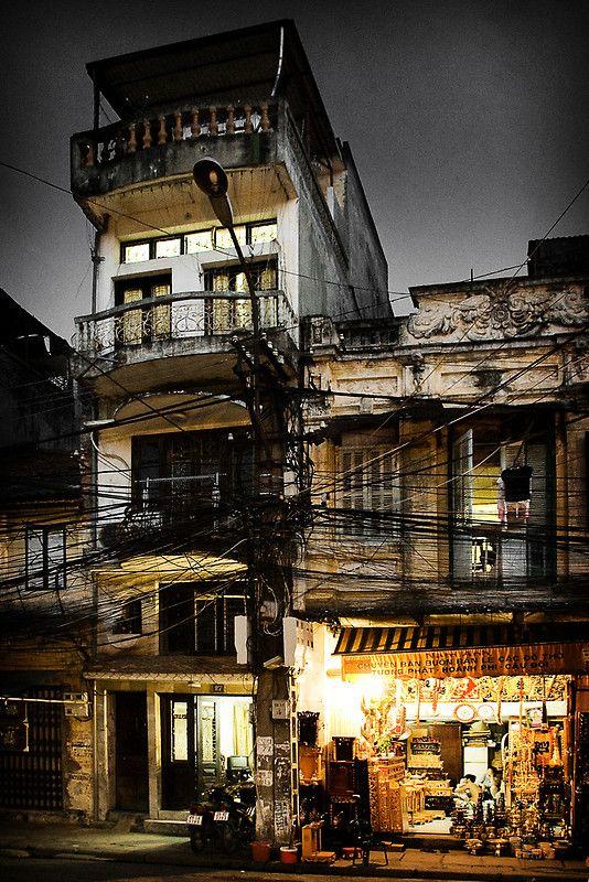 Street in HanoiStay Undercover, Hanoi Vietnam, Favorite Places, Favorite Cities, Favourite Places, Viet Nam, Vietnam Mi, Electric Wire Vietnam, Photos Places
