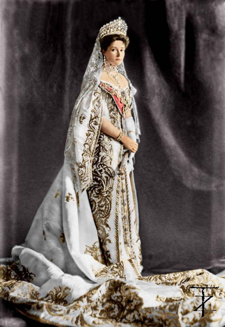 Платья императриц россии фото голубые береты
