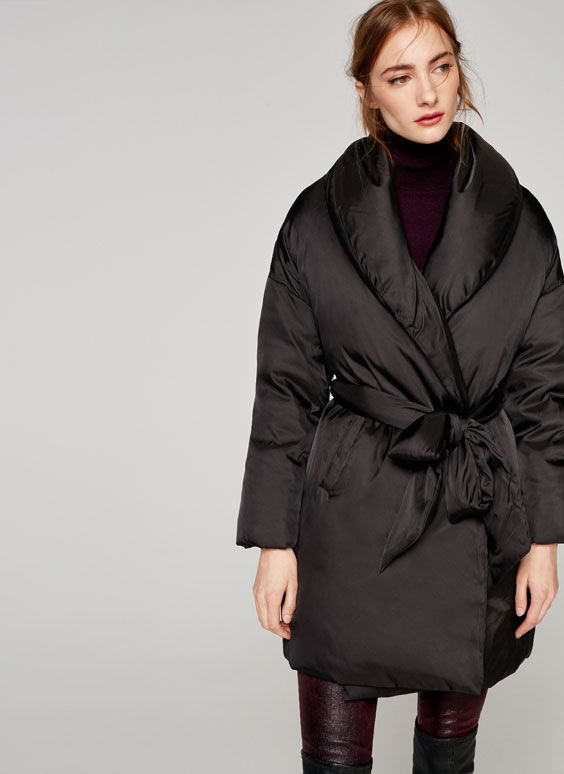 Uterqüe United Kingdom Product Page - Ready to wear - Outwear - Ver todo - Black oversized quilted parka - 145