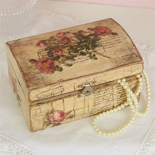 Vintage Jewellery Box Tutorial | Treasure your precious jewellery and keepsakes in this pretty vintage inspired box, simple to make and finish with a few crafty stash items.