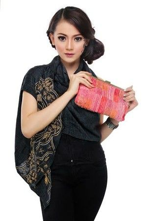 Two Sided Beaded Cluth, IDR 359,900