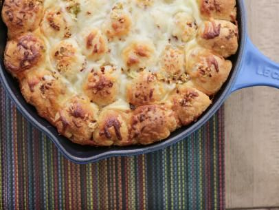 Spicy Cheesy Pull-Apart Bread Recipe | Valerie Bertinelli | Food Network