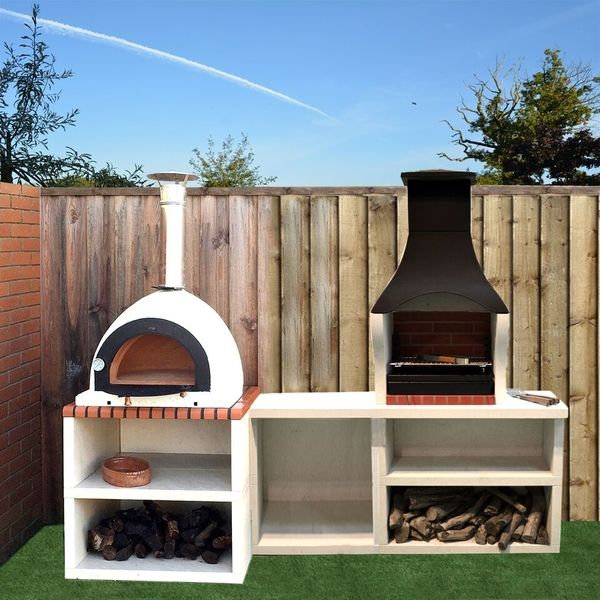 Outdoor Kitchen With Grill And Pizza Oven