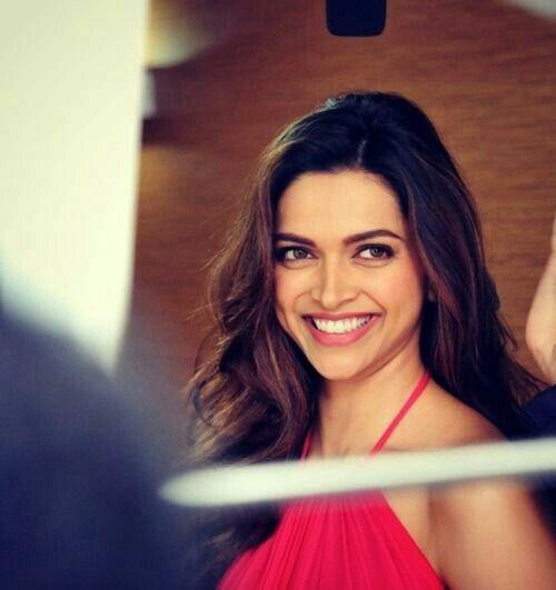 Deepika's beautiful dimples