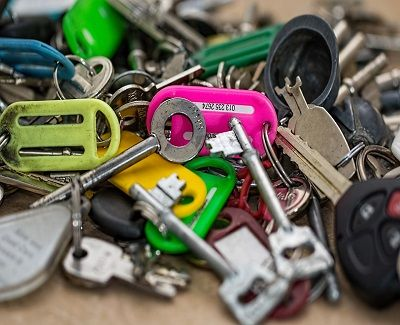What are the Pros and Cons of Keyless Locks? - http://www.kravelv.com/pros-cons-keyless-locks/