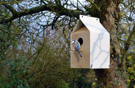 Outdoor-Birdshouses-Milk-Carton-inspired-Nestbox