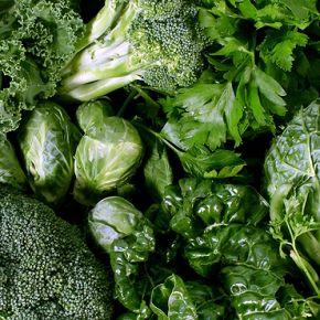 Знаете ли вы, какого цвета овощи наиболее питательны и оказывают благотворное влияние на наш организм? Очевидный ответ - зеленые листовые овощи. А знаете, почему?