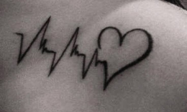 Tatuajes de latidos de corazón, un sencillo y elegante tattoo - http://www.tatuantes.com/tatuajes-de-latidos-de-corazon/ #tattoo