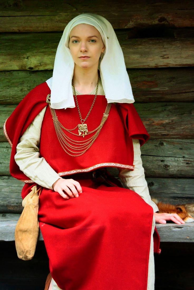 Iron age historical women's fashion