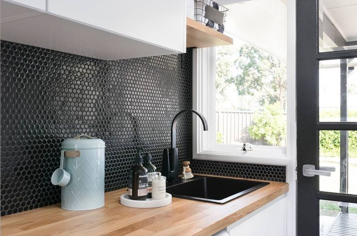 Amber Tiles Kellyville: Black Penny Round Mosaics #splashback #ambertiles #splashbackinspiration