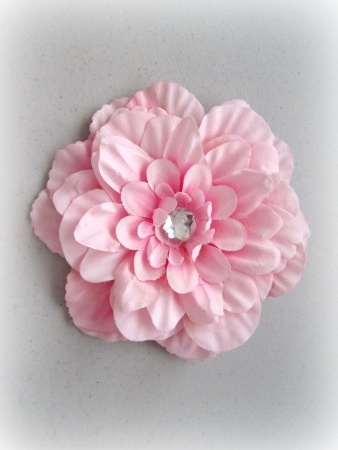How to make a flower clip. Need felt circle in the bottom of the flower to help attach it to hair clip more securely.