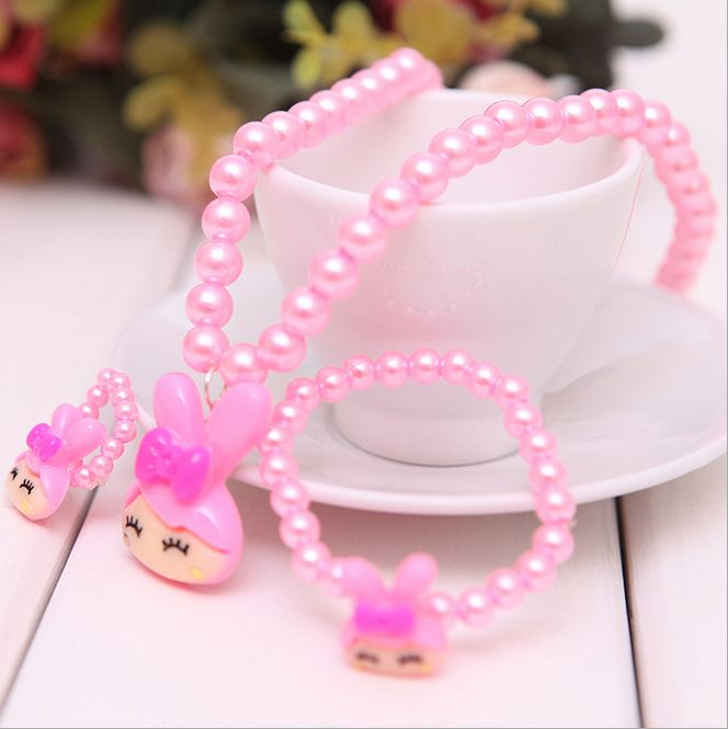 Buy online beautiful and classy jewelry set for infants and dress your little girl with more style and fashion.