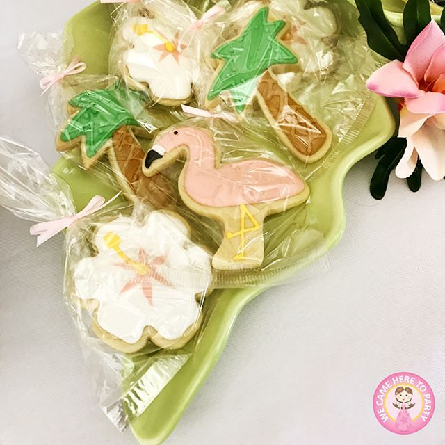 🌴We are proud to share with you some up close and detailed features from our custom themed Hawaiian birthday🌴 Including: 🌺Gift bags for each guests 🌺Palm tree balloons 🌺Catering 🌺Custom centre piece designs 🌺Hawaiian themed outfits for every guest sydney #glam #cupcake #organic #girlparty #pamper #kids #hightea #sweet #birthdaycake #bridalshower #blogger #moana #luxury #party #disco #hawaiian #wecameheretoparty #kidsparty #desserttable #girl #vegetarian #boy #eventplanner #birthday…