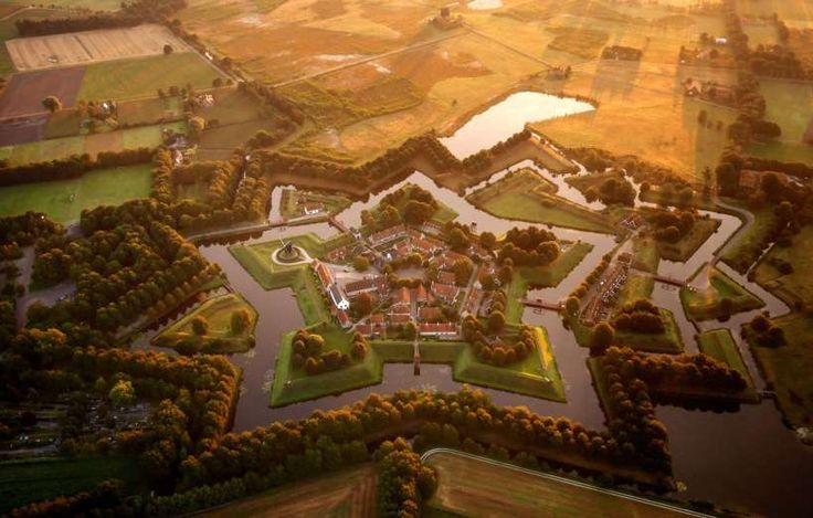 The star fort at Bourtange, Netherlands - Amos Chapple/Rex Images