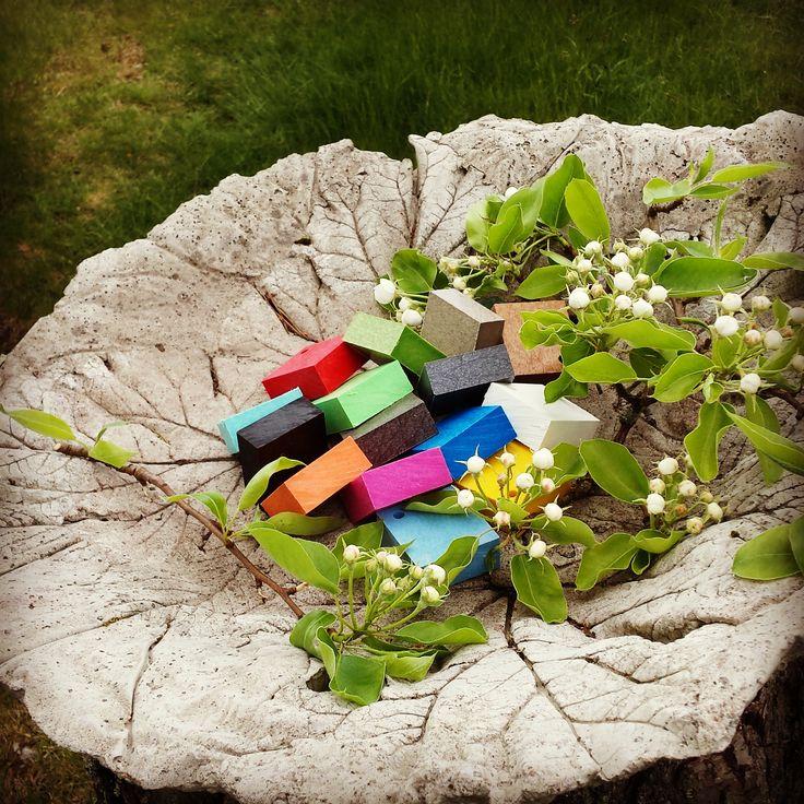 Trädgårdsmöbler i 100% återvunnen plast. Välj din favoritfärg i godisskålen.  #adirondack #ecogodis #utemöbler #gorgeous #caraff