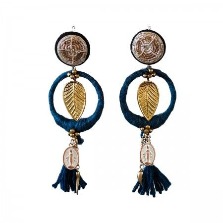 Lacrom Store || ghingi mingi goi, accessories, vintage, earrings  Earrings covered by wool with vintage button closure. Hypoallergenic closure