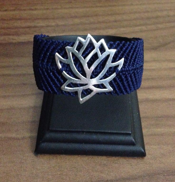 Gümüş lotus makrame bileklik.