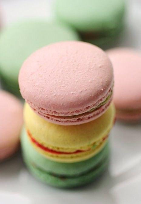 Pastel Macaroons.