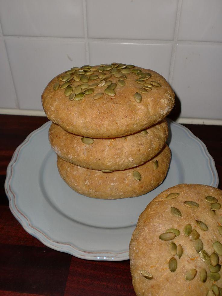 Grova morotsbröd med pumpakärnor