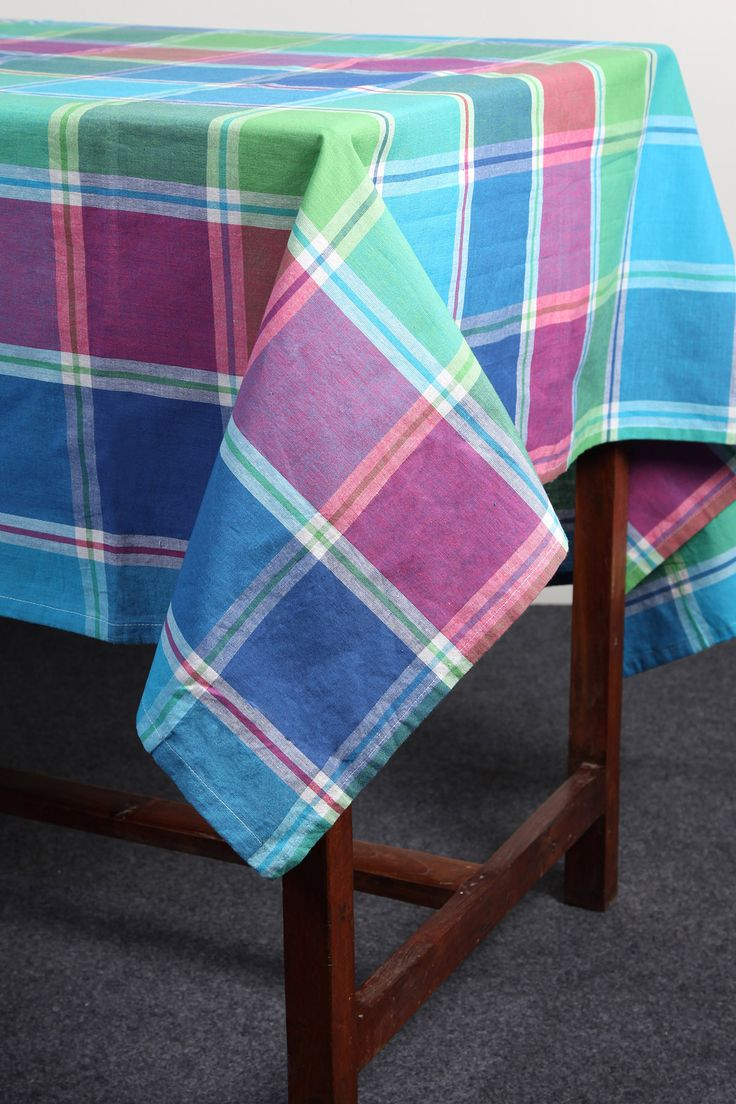 Multicoloured yarn-dyed checks tablecloth by Suraaj Linens