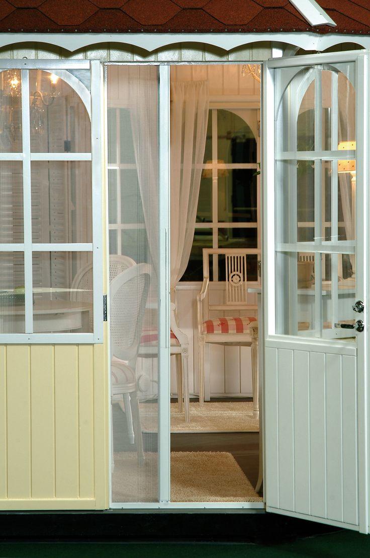 opening_mosquitonet_door_Pavillon