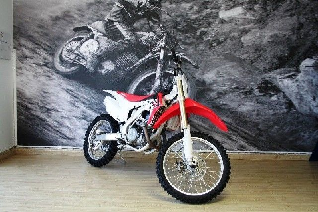 HONDA CRF 450 R FOR ONLY R 1500 P/M OR CASH FOR R 69,000 FOR MORE INFO GO TO www.teamcit.co.za OR CALL 0123428571