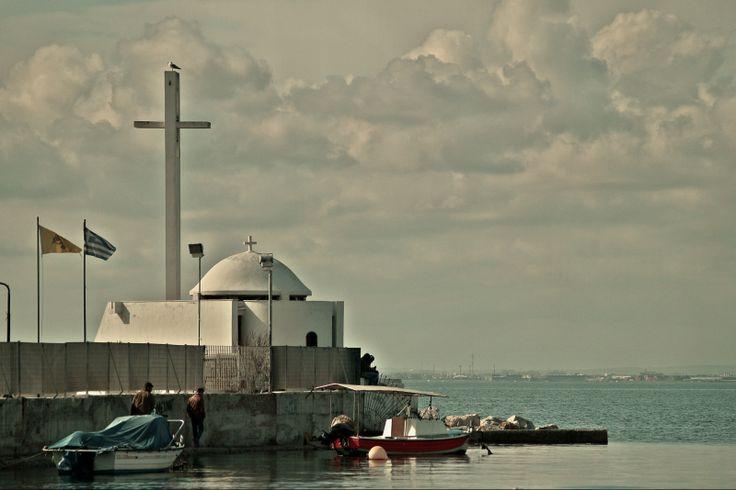 The beautiful chapel of Agios Nikolaos was built in 1990 inside the Nautical Club of Thessaloniki marina. (Walking Thessaloniki, Route 18 - Kalamaria)