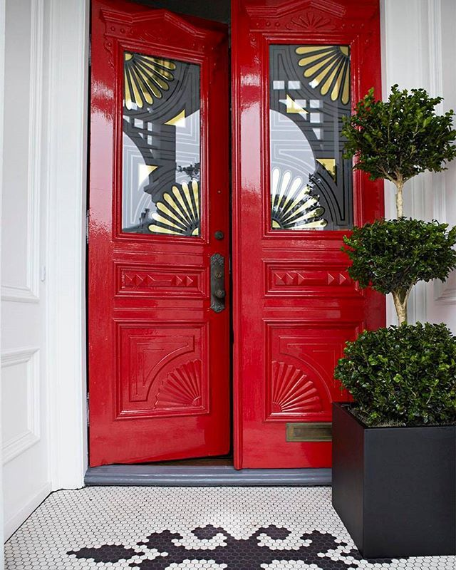 Come on in. (: @francescolagnese | Design: @kenfulk) #HBcolor #homesweethome #doortrait