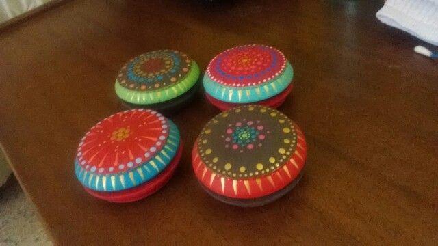 Juguetes tradicionales venezolanos. Pintados a mano. Yoyo. am_shanti. portafoliodediseno9@gmail.com
