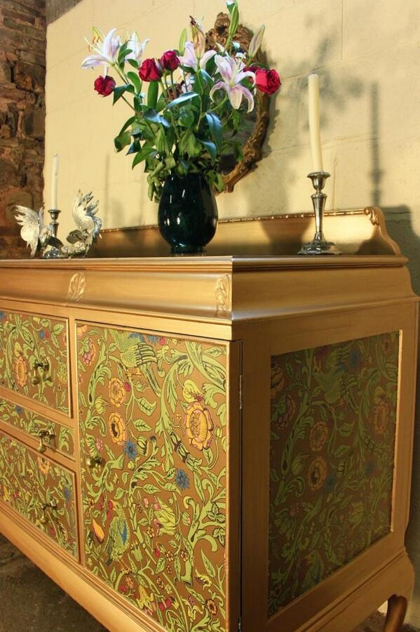 decoupage 'watts of wesminster' wallpaper