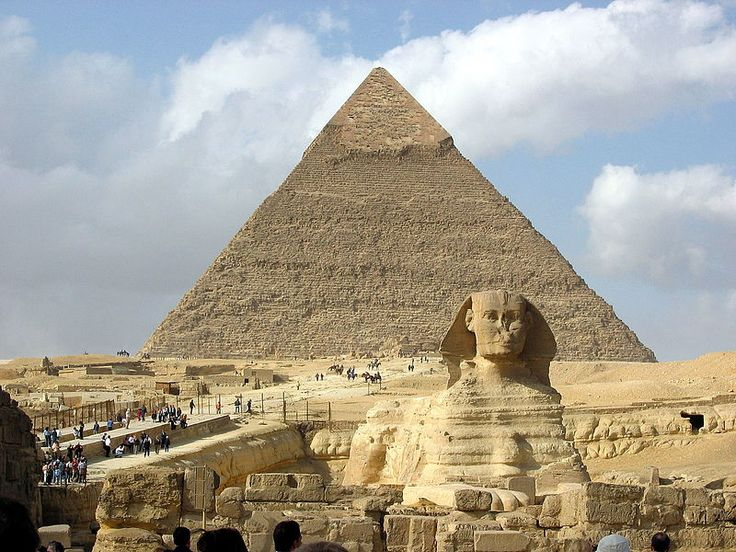 """'A Esfinge de Gizé"""". 'Pirâmide de Quéfren' ao fundo. # Cairo, Egito.                                                                                                                                                                                 Mais"""