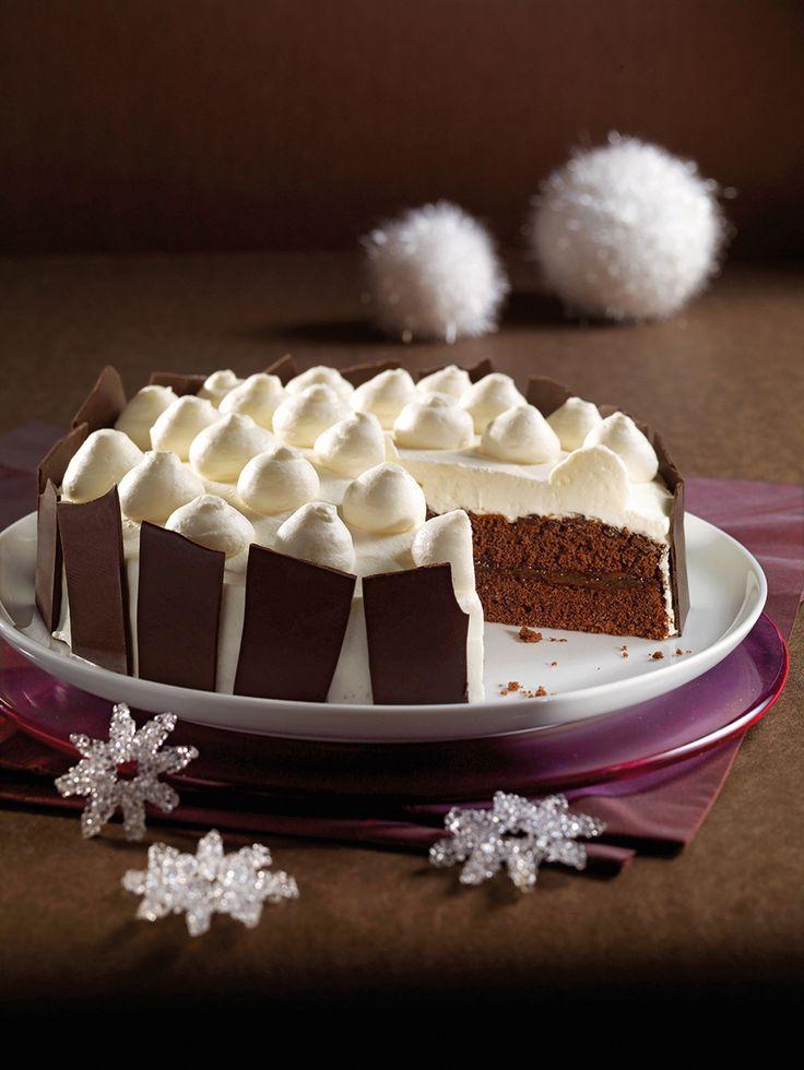 Eine schokoladige Torte mit einer Vanille-Creme zum Weihnachtsfest