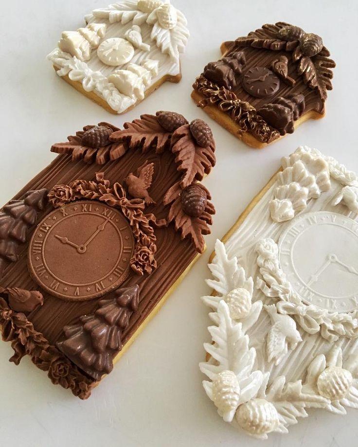Cuckoo clock cookies by Lorena Rodriguez                                                            <3 <3 <3