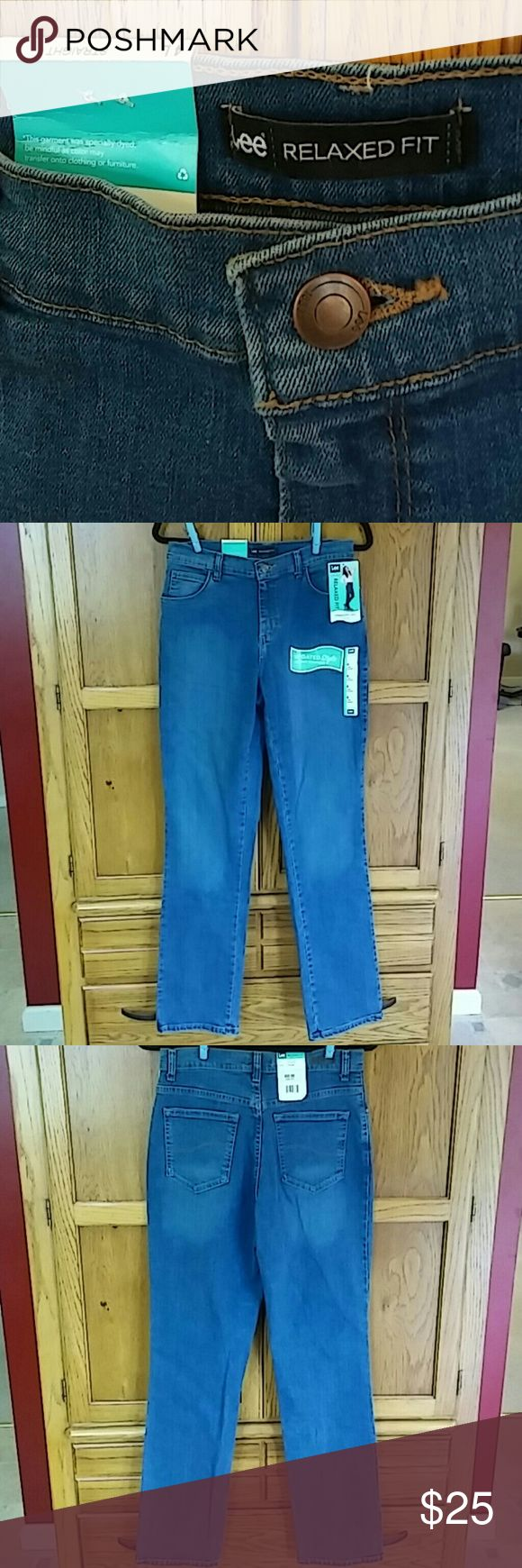 Clearance!LEE Relaxed Fit Straight Leg Relaxed Fit Straight Leg At The Waist Jeans 4L Auth Azul Long  Waist- 14.5in across Leg Opening-7.5in across Inseam-32.5in long Outer Length-42.5in long  98%cotton-2% spandex  Jean color changes in pics  depending on flash or different lighting used to catch  details on jeans-etc-- see full length pictures  Lee1 LEE Jeans Straight Leg