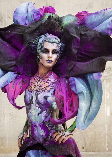 Mujer orquídea,La Viuda Negra,por Alejandra Ortiz