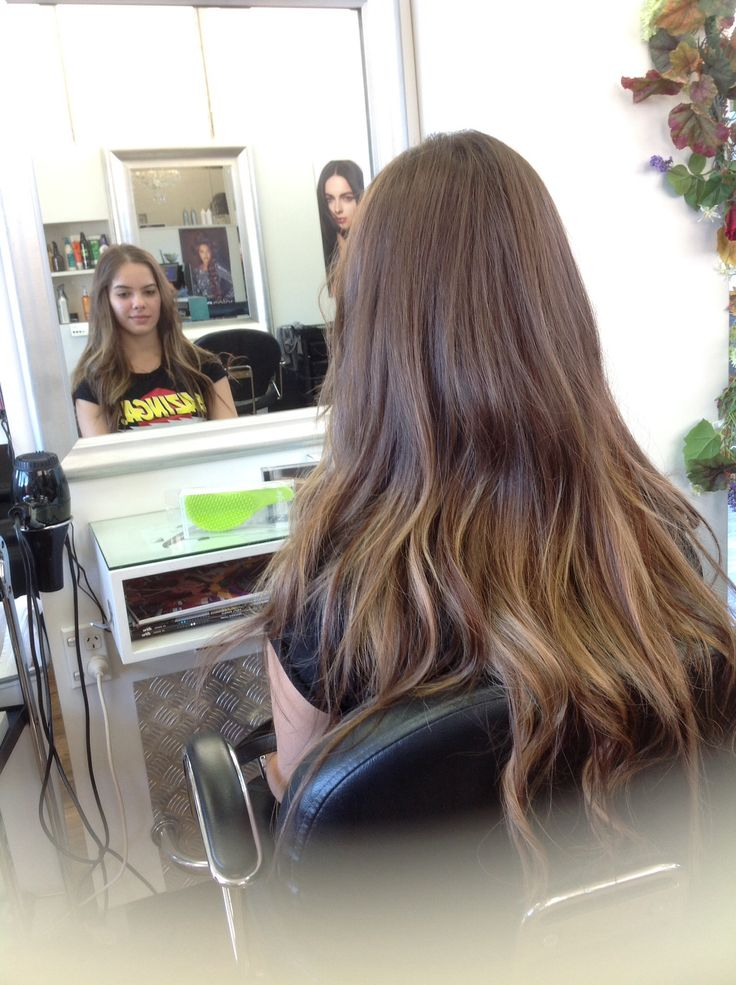 Extension work by Tracy, 4 different colour packs used to give a natural Ombré effect.