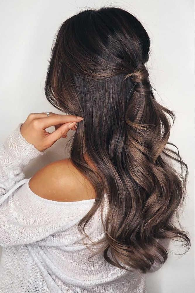 Wavy Half Up Ponytail For Graduation #long #wavyhair #halfuphalfdown #longhairstyle