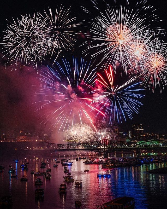 You Can Go On A Magical Fireworks Cruise In Ottawa This Summer In