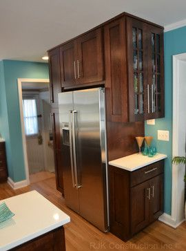 I like the colour and the cabinet style - especially the one on the side.