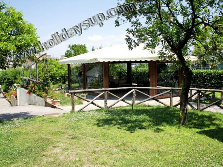 Garden, sorrento apartments with shared swimming pool - sorrentoapartments holidays