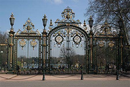 Porte des Enfants du Rhône © Eric Masson mars 2011  Cette magnifque porte donne accès au très sympathique parc de la Tête d'Or.  Lyon et ses environs