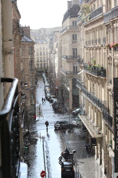 Raindrops, and life, suspended in motion. Paris, France. From The Clapping Walrus. tschola