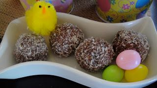 Mums in the Kitchen: Healthy Easter: Raw Choc Coconut Balls