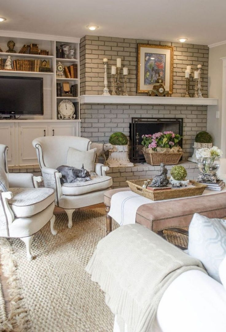 Beautiful French Country Living Room Ideas (34